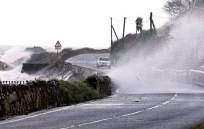 На Великобританию обрушился мощнейший шторм