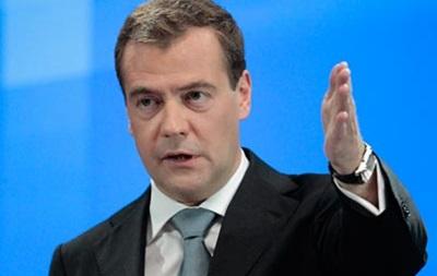 Медведев: У меня, как у Путина, в кране тоже ржавая вода