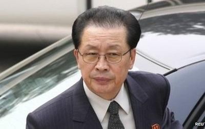 КНДР: опального дядю Ким Чен Ына вырезали из кинофильма