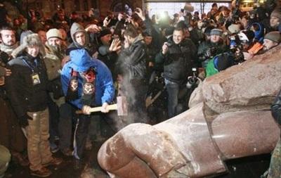 Добкин начал сбор денег на новый памятник Ленину в Киеве
