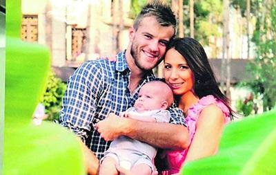 Андрей ярмоленко фото с женой и сыном