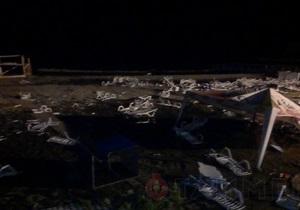 Ураган в Одессе - В Одессе отменили празднование Дня защиты детей и запретили купаться в море