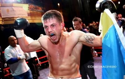 Хитров дебютировал в профессиональном боксе