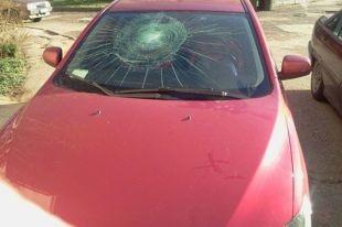 В Севастополе хулиган разбил гитарой десять автомобилей