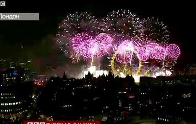 По всему миру на Новый год вспыхнули яркие фейерверки - видео