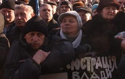 На Евромайдане продолжают митинговать более тысячи человек