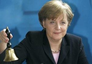 Визит в ожидании дефолта: Меркель посетит Грецию впервые после начала долгового кризиса