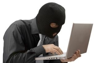 Кабмин обеспокоен хакерскими атаками на веб-сайты органов власти