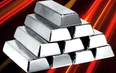 Стоимость серебра стабилизировалась, но остается высокой