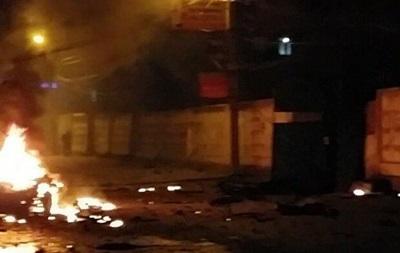 Шестнадцать человек пострадали при взрыве у ресторана в Махачкале
