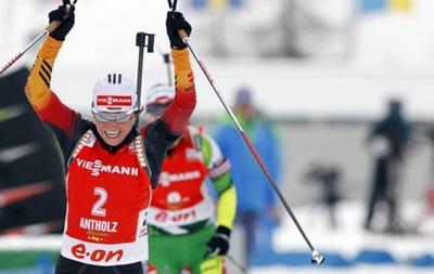 Биатлон: Хенкель завоевала для Германии первое золото в личных стартах сезона