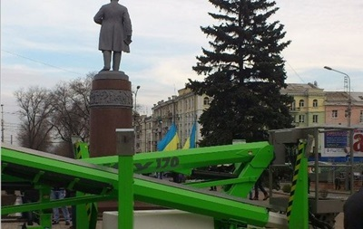 В Донецке на евромайдане произошли столкновения