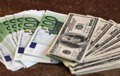 Евро на Forex колеблется  у нулевых отметок к основным валютам
