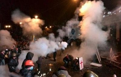 В МВД утверждают, что митингующие бросали взрывпакеты в лица военнослужащих