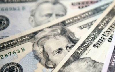 Доллар растет к мировым валютам, а фунт стерлинг к доллару