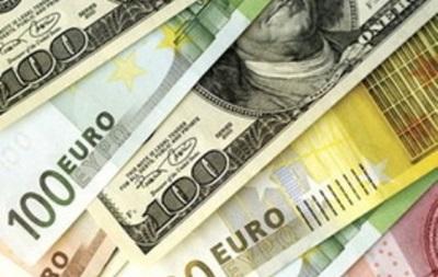 На межбанке доллар растет в цене