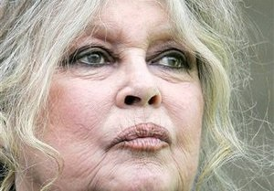 Брижит Бардо разгневалась на россиян, запустивших в небо осла