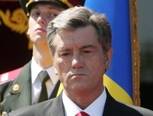 Ющенко назвал надуманным сегодняшнее блокирование Рады