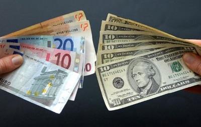 Фунт стерлингов на Forex снижается к доллару и иене