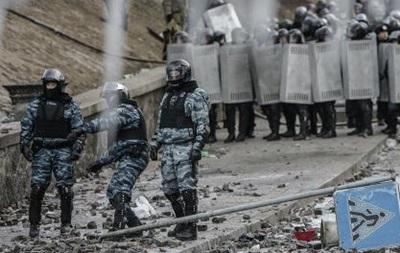Около десяти автобусов с сотрудниками милиции выехали из Донецка в Киев