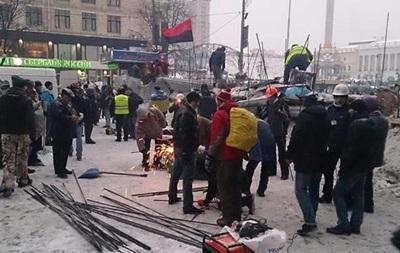 Революция наносит серьезный ущерб экономике Украины - эксперт
