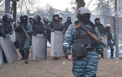 В Черновицкой области из-за чрезмерного применения силы к митингующим уволился майор милиции