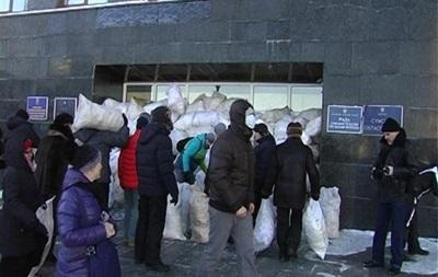 В Кировограде массово задерживают ударовцев и активистов Майдана