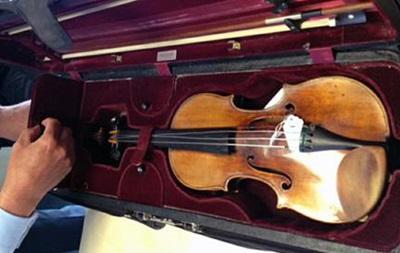 В США украдена скрипка Страдивари: музыканта ограбили с помощью электрошокера