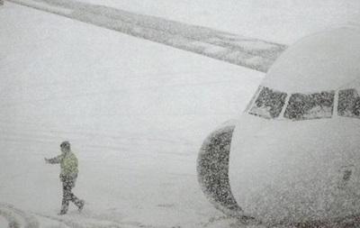 Непогода парализовала работу украинских аэропортов в нескольких регионах
