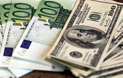 Евро на  Forex растет только  к рублю