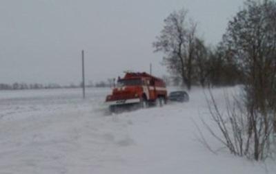 Спасатели за сутки вытащили из снега 374 автомобиля