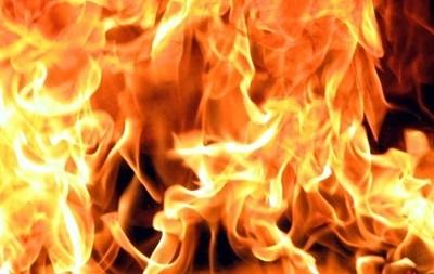 В Подольском районе Киева 50 пожарных и 13 единиц техники гасят пожар в офисном центре