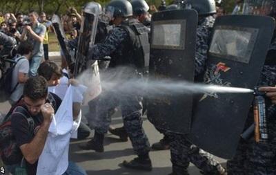 В метро Рио-де-Жанейро демонстранты подрались с полицией
