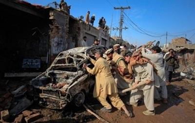 Жертвами взрывов в кинотеатре Пакистана стали десять человек