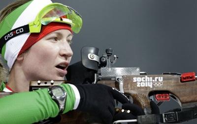 Биатлон: Домрачева приносит Беларуси первое золото, Валя Семеренко финиширует пятой