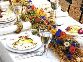 На Прикарпатье восемь человек отравились на свадьбе