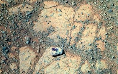 Ученые раскрыли тайну появления камня возле марсохода Opportunity