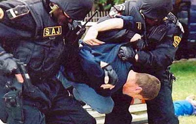 Протесты в Черногории завершились столкновениями с полицией