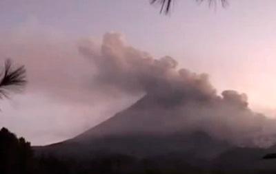 Извержение вулкана Келуд: число жертв возросло до шести человек
