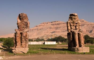 В Египте обнаружили фрагменты одного из Колоссов Мемнона