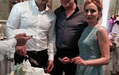 Федор Емельяненко развелся с женой и обвенчался с подругой детства