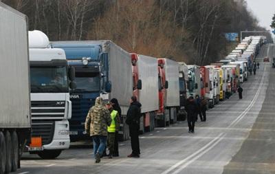 Митингующие начали блокировать пункты пропуска на границе с Польшей