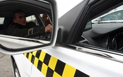 Такси подняли тарифы и отказываются от поездок в центр Киева