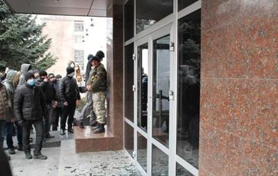 Люди требуют от силовиков не ехать в Киев