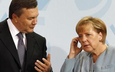 Янукович проведет телефонный разговор с Ангелой Меркель