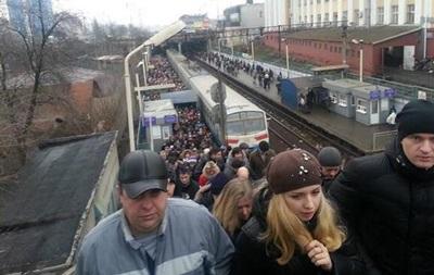 Киевляне массово покидают центр города и правый берег