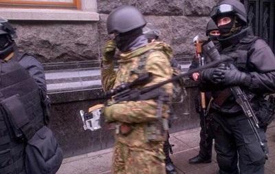 Правоохранителям выдано боевое оружие – Захарченко подписал приказы