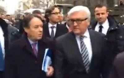 Завершилась многочасовая встреча президента с главами МИД Германии, Франции и Польши