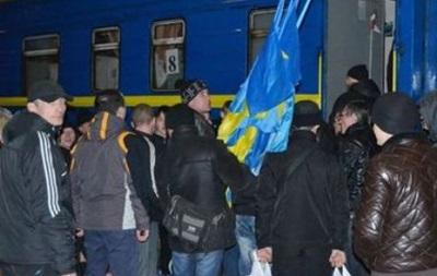 Прибывшие из Донецка в Киев сторонники ПР отправились назад, не выходя из поезда