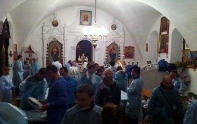 Из Михайловского собора уже вывезли всех раненых